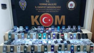 1 milyon 500 bin TL değerinde kaçak cep telefonu ele geçirildi