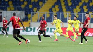 Fenerbahçe'de Ömer Faruk Beyaz çılğınlığı