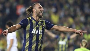 Fenerbahçe Muriqi'nin yerine Senegalli golcüyü alıyor!