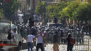 İstifa haberinden sonra Beyrut'ta sokaklar karıştı!