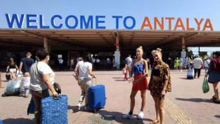 Antalya'dan gökten Rus turist yağdı!