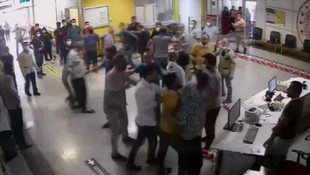 Acil serviste terör estirdiler: 5 güvenlikçi yaralandı, 2 kişi tutuklandı