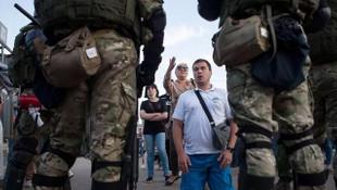Belarus'ta skandal! Polis, protestoculara destek verenlere ateş açtı!