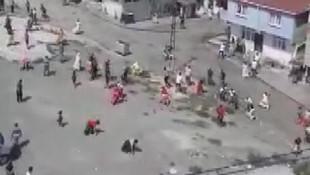 İstanbul'da savaş gibi kavga! Onlarca kişi birbirine girdi