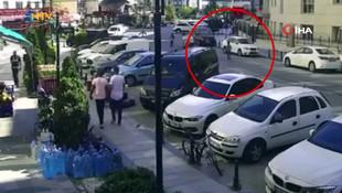 Köpekten kaçtı araba çarptı