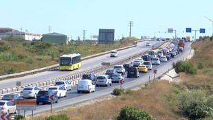 Şile'de kilometrelerce araç kuyruğu oluştu