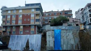İstanbul'da toprak kayması! Bir bina tahliye edildi