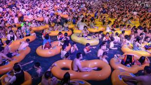 Wuhan'daki çılgın partiyle ilgili Çin'den şok açıklama