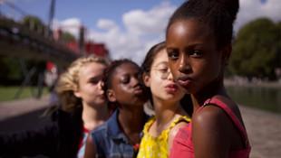 Netflix'in Müslüman bir kızın hikâyesini anlattığı filmi tartışma yarattı