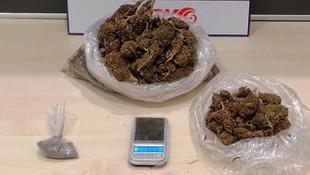 Çeşme'de uyuşturucu operasyonu! 2 kişi tutuklandı