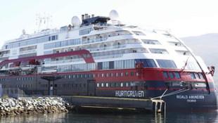 İki lüks yolcu gemisinde koronavirüs şoku!