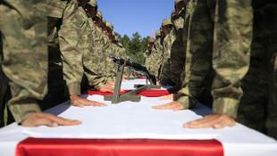 Bakan açıkladı: ''Bin 416 kişinin askerliği ertelendi!''