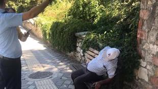 Oturduğu bankta kalp krizi geçiren adam böyle kurtarıldı!