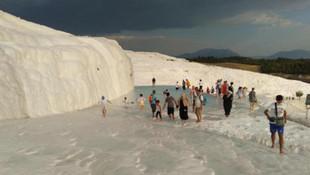 Türkiye'nin ''beyaz cenneti'' Pamukkale'de rezil görüntüler