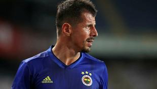 Emre Belözoğlu'dan 6 transfer daha