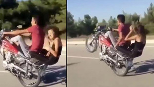 Canlarını hiçe saydılar! Tek teker üzerinde motosiklet yolculuğu