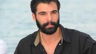 Mehmet Akif Alakurt, takipçilerine hakaretler savurdu!
