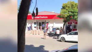 Kredi borçlusu vatandaş banka şubesinde kendini yaktı