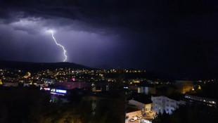 Karabük'te korkutan olay! Geceyi böyle aydınlattı