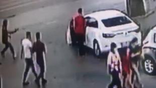 İstanbul'da cami çıkışı silahlı saldırı kamerada