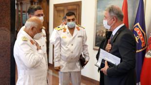 Bakan Akar, Libya Deniz Kuvvetleri Komutanı ile görüştü