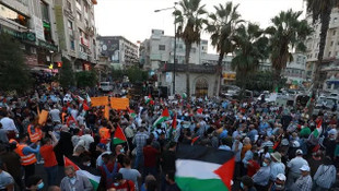 Yüzlerce kişi protesto için sokağa döküldü: Dolar için Kudüs'ü sattılar