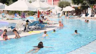 Antalya'ya gökten Rus turist yağdı!