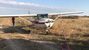 Evinin üstünden geçen uçağa kurşun yağdırdı