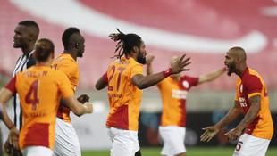 Galatasaray Bakü'de turu kaptı!