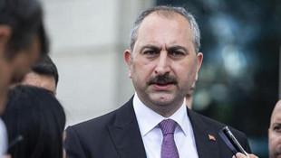 Bakan Gül'den alçak manşete sert tepki