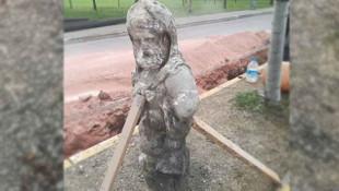 Yol kazısı sırasında Roma dönemine ait heykel bulundu