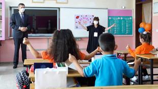 Bakan Selçuk'tan okullara sürpriz ziyaret