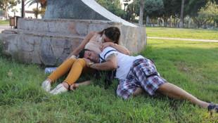 Parkta uyuyakalan çift, düğün paralarını çaldırdı