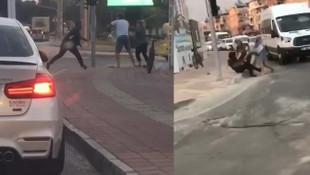 Trafikte sopalı kavga kamerada