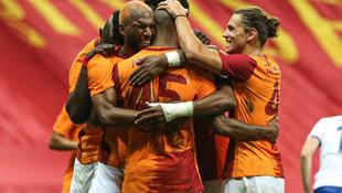 Galatasaray'da yüzler gülüyor! 2 imza yolda...