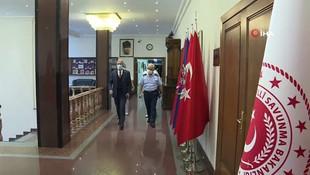 Bakan Akar: ''Ermenistan saldırılarını durdurmalı!''