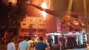 İstanbul'da 5 katlı iş yerinde korkutan yangın