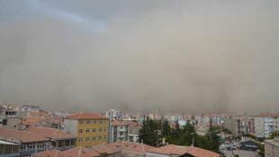 Konya'yı kum fırtınası vurdu!