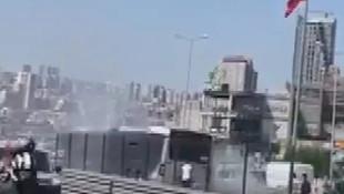 İstanbul'da metrobüste panik! Yolcular tahliye edildi