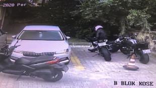 İstanbul'da sabunlu suyla motosiklet çalan hırsızlar kamerada