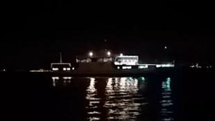 Marmara Denizi'nde panik! Dümeni kilitlenen feribot karaya oturdu
