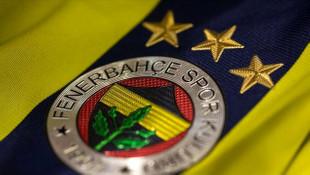 Fenerbahçe peş peşe açıkladı! Bir transfer daha bitti