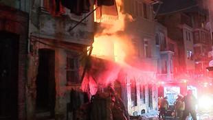 İstanbul Beyoğlu'nda yangın paniği