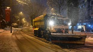 Beylikdüzü Belediyesi'nden yoğun kar mesaisi