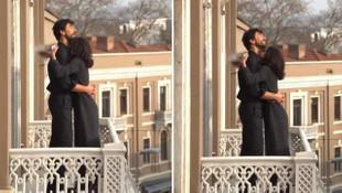 Nesrin Cavadzade ve Gökhan Alkan balkonda aşka geldi