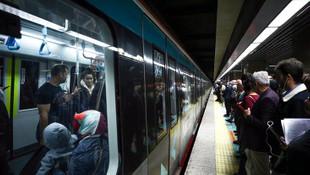 Marmaray'da panik! Yolcular tahliye edildi