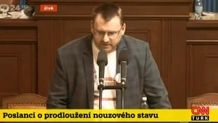 Çekya meclisinde mikrofon kavgası!