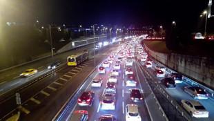 Yasaklama sona erdi; İstanbul trafiği kilitlendi!