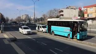 Otobüsten fırlayan tekerlek ortalığı savaş alanına çevirdi