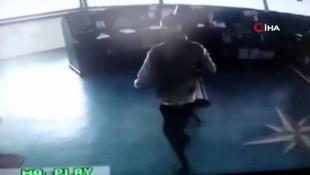 Türk gemisine korsan baskını kamerada